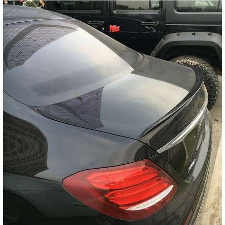Becquet Noir brillant Mercedes Classe E Berline W213 look AMG 16+